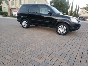 2006 HONDA CRV 4 CYLINDER POWER WINDOWS SUN ROOF 128 MILES JUST PASS SMOG RUNS EXCELLENT for Sale in Vista, CA