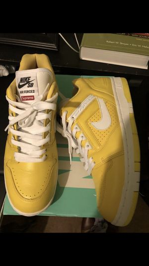Nike Sb Supreme size 10 for Sale in Arlington, TX