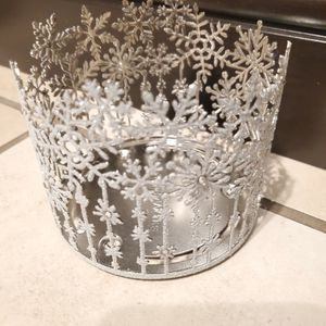 Bath And Body Works Glitter Snowflake Candle Holder for Sale in Colton, CA