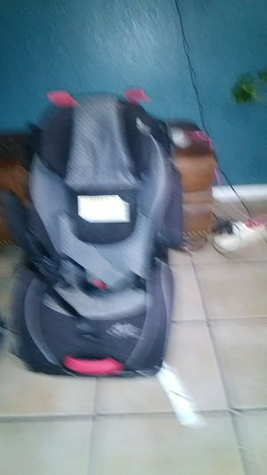 Car seat and the booster seat good condition for Sale in San Antonio, TX
