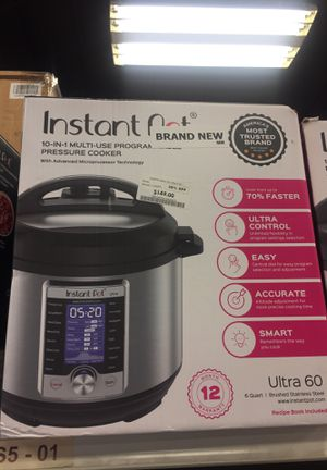Instant Pot 10 in 1 pressure cooker for Sale in San Leandro, CA