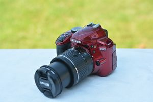 Red Nikon D3400 DSLR Camera W/AF-P 18-55 VR Zoom Lens for Sale in Ellicott City, MD
