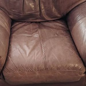 Large Oversized Leather Armchair for Sale in Elma, WA