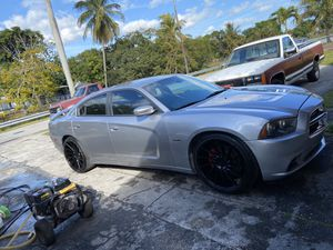 Dodge Charger 2014 for Sale in Hialeah, FL