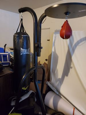 Everlast punching bag / speed bag with full stand for Sale in Olympia, WA