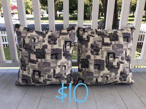 Throw pillows for Sale in Bonney Lake, WA