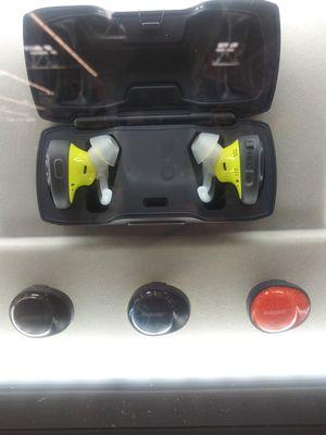 Bose wireless head phones for Sale in Miramar, FL