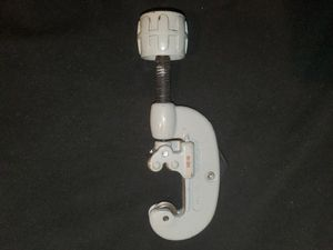 """RIDGID TUBING CUTTER , NO. 10 , 1/8"""" to 1"""" CAPACITY, for Sale in Gaffney, SC"""