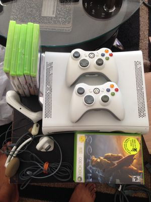 Xbox 360 with 2 wireless controllers and games for Sale in North Miami Beach, FL