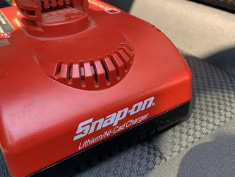 Brand new Snap-on charger for Sale in Delano,  CA