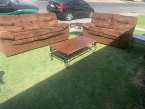 5 pieces living room set sofas and coffe tables for Sale in Bakersfield, CA