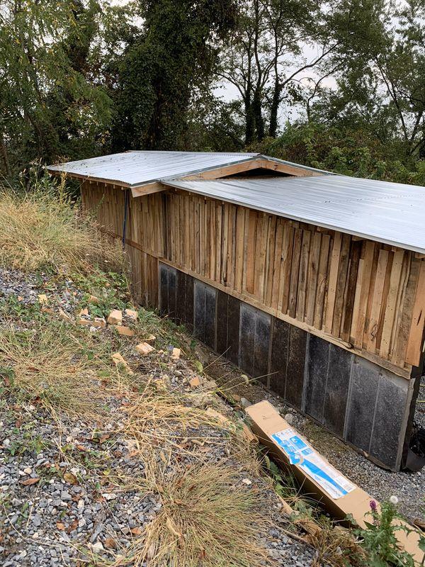 Workshop/shed/garages/hillbilly hideouts