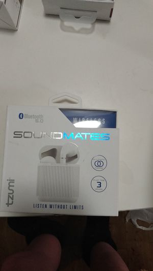 Soundmates earbuds w portable charger new for Sale in Snellville, GA