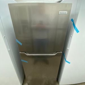 Frigidaire Top Freezer Refrigerator in Brushed Steel for Sale in Fort Lauderdale, FL