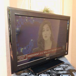 """SONY LCD 32"""" TV for Sale in Pembroke Pines, FL"""