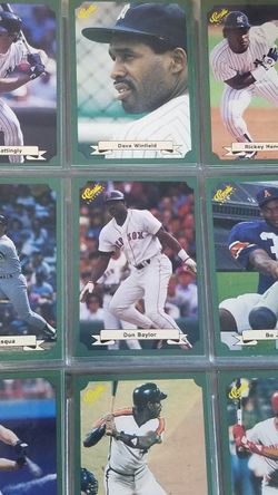 Bunch Of 80s Baseball Cards 3 Notebooks for Sale in Newberg,  OR