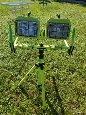 Commercial Electric L-1800 Work Lights With Tripod for Sale in Pembroke Park, FL