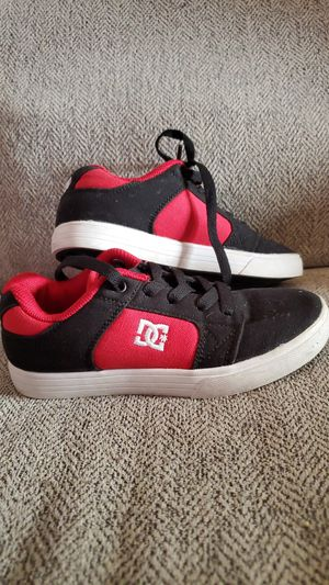 DG KIDS SHOES for Sale in Nevada, IA
