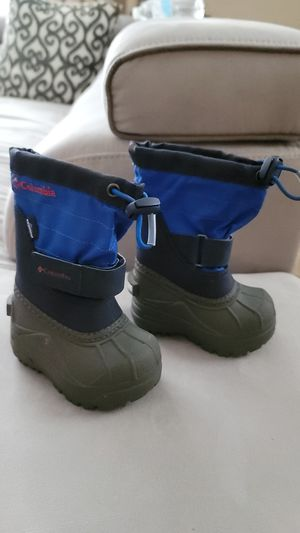 Columbia snow toddler boots for Sale in Richboro, PA
