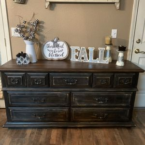 Refurbished vintage dresser by Broyhill. Solid real wood for Sale in Madera, CA