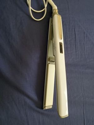 Hair straightening iron $12 for Sale in New York, NY