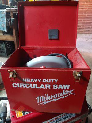 Milwaukee Heavy duty saw for Sale in Edgewood, WA