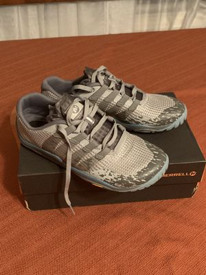 Merrell - women's Hiking shoes size 6.5 for Sale in Corona, CA