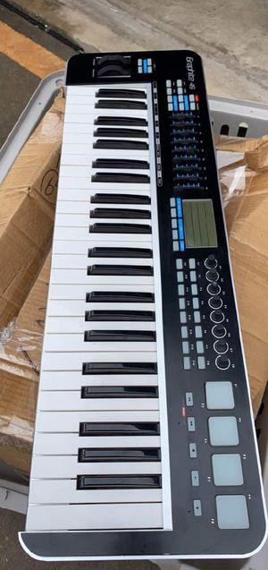 Electric keyboard for Sale in Bush, LA