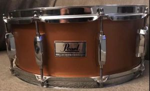 Pearl snare good condition with soft case for Sale in Houston, TX