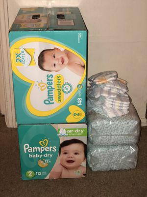 Pampers diapers size 2 for Sale in Jennings, MO