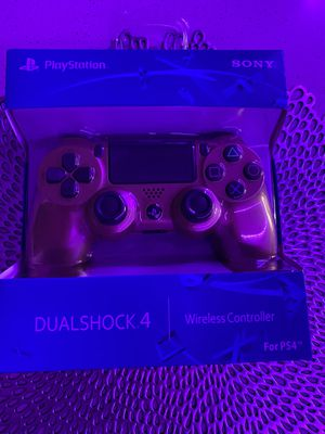 Gold ps4 controller for Sale in Las Vegas, NV