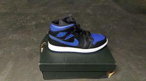 Size 9////Jordan 1 mid hyper Royal blue for Sale in Highland, CA