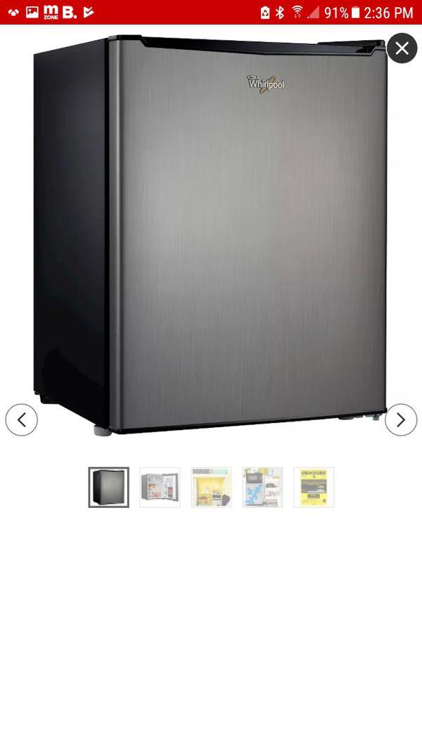 Whirpool mini refrigerator 2.7
