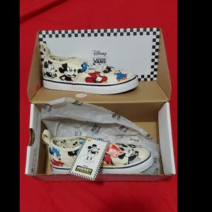Mickey Mouse Vans - Brand New for Sale in Miami, FL