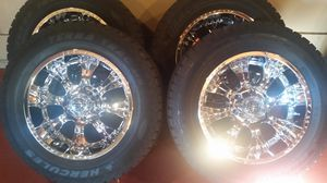 18 inch Chrome rims with new tires for Sale in Brooklyn, OH