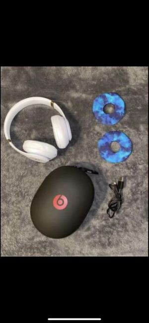 Beats solo 3 over ear headphones and accessories for Sale in West Hartford, CT
