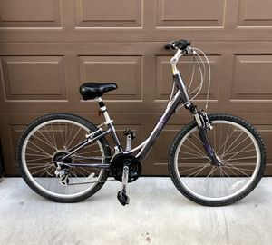 Giant Liv Sedona bike with front suspension for Sale in San Diego, CA