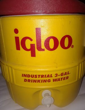 IGLOO INDUSTRIAL 3-GAL WATER COOLER for Sale in Costa Mesa, CA