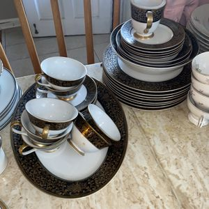 Vintage China Set for Sale in Greater Upper Marlboro, MD