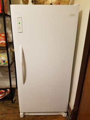 Frigidaire stand up freezer for Sale in Chicago, IL