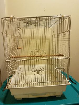 3 used bird cages. $25, $45, $45 (make offer) for Sale in Mitchell, IL