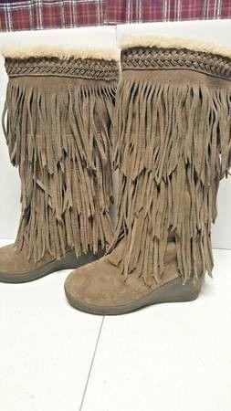 BEARPAW Sundown Suede Fringed Sheepskin Boots - Women's 9 for Sale in Boulder, CO