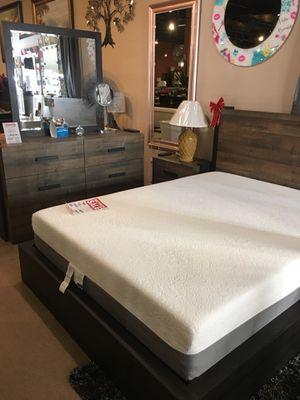 4 Pc Queen Bedroom Set - ONLY $699 for Sale in Cerritos, CA