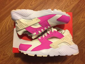 Nike Air Huarache Brand New size 6.5 y / 8 women's for Sale in Norwalk, CA