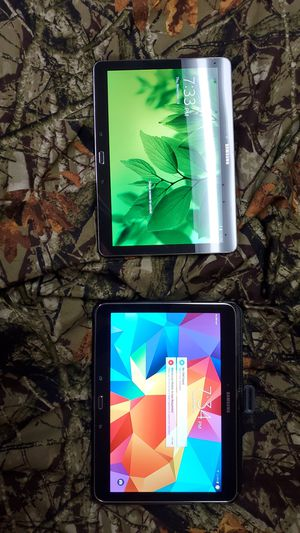 2 Samsung Galaxy Tablets like new !!!!! for Sale in Saint CLR SHORES, MI