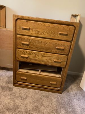 4 piece bedroom set for Sale in Roswell, GA