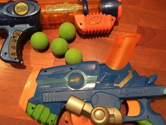Nerf Guns, 4 Green Nerf Balls, N-Strike Vest and Nerf Dog Flyer Disk for Sale in Tigard,  OR