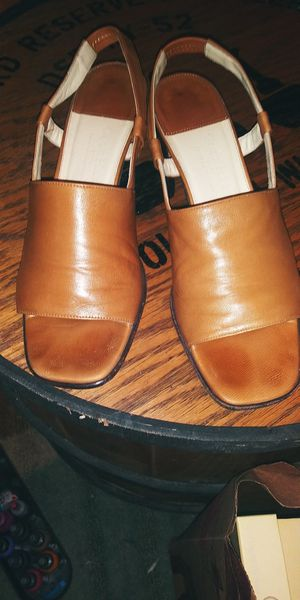 Cole Haan heels size 8.5 for Sale in Baton Rouge, LA