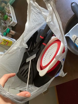 Collapsible Colander, Spatulas, Serving Spoons, Plastic Black Plate for Sale in Ithaca, NY