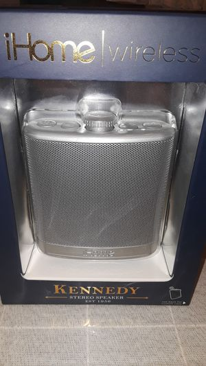 Kennedy stereo speaker with case for Sale in Los Angeles, CA